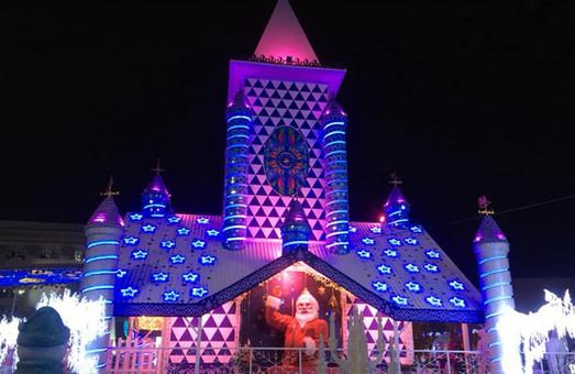 Полиция расследует покупку нового домика Деда Мороза в Харькове – ХАЦ