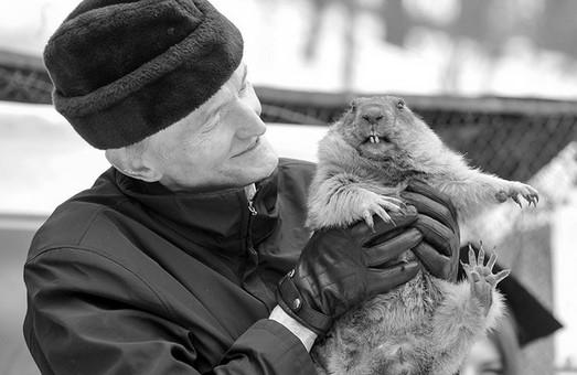 Завтра в Харькове простятся с хранителем сурка-предсказателя Виктором Токарским