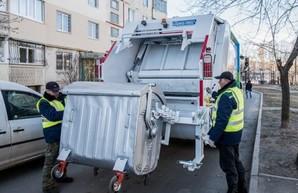 В Харькове пересмотрели график вывоза мусора и дезинфицируют контейнеры