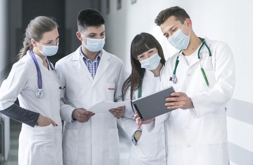 COVID-19: под подозрением девять харьковских врачей