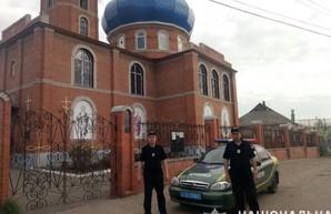 Пасха при карантине: харьковская полиция грозит опечатывать церкви
