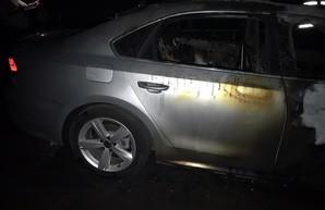 В Харькове ночью сгорел Volkswagen Passat (ФОТО)