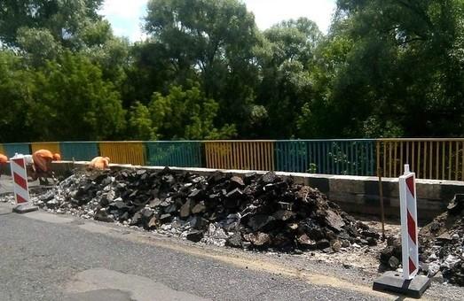 Под Харьковом начали ремонтировать мост на трассе Чугуев – Печенеги (ФОТО)