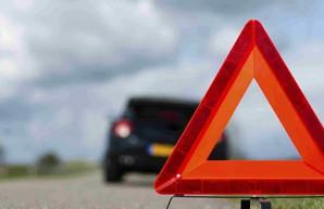 В Харькове иномарка врезалась в столб: водитель погиб (ФОТО)