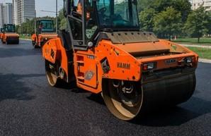 На Полтавском Шляхе ремонтируют дорогу