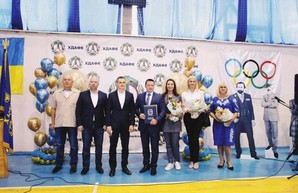 В Харьковской академии физкультуры открыли Аллею олимпийцев
