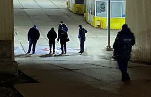 В Харькове на неработающем рынке обнаружили окровавленный труп