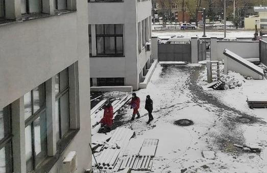 В Харькове из окна Госпрома выпала женщина