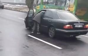 Жесть в Харькове: пешеходу оторвало голову (ВИДЕО 18+)