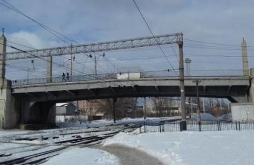В Харькове открывается движение по Балашовскому мосту