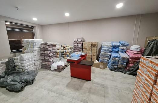 «За майбутнє» в Броварах покупает избирателей макаронами и зефиром (ФОТО)