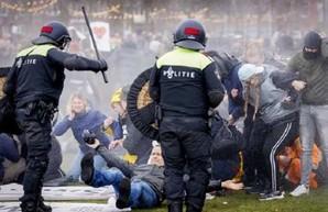 В Нидерландах после введения локдауна начались погромы, грабежи и беспорядки