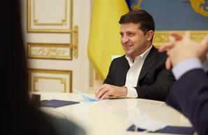 Украинским ученикам обещают по 10 тысяч гривен