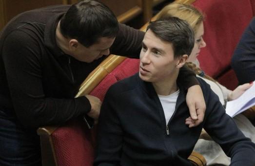 Счастливчик: нардеп от «слуг» задекларировал 2 млн «выигрышных» гривен
