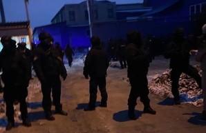 Борьба за харьковский завод линолеума «Алексвуд»: на чьей стороне полиция