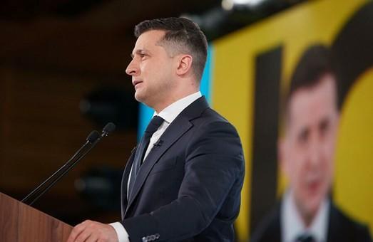 Не ниже 20%. Офис Президента избрал новую стратегию поддержания рейтинга Зеленского