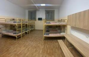 В камере Лукьяновского СИЗО сделали ремонт за 100 тысяч. Фото до/после