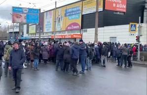 Забастовка в Харькове: на крупном промпредприятии пытаются отвлечь внимание Зеленского