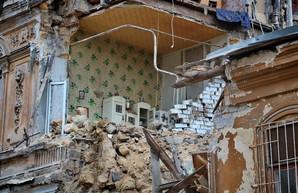 В Одессе обрушился памятник архитектуры конца XIX века (ФОТО, ВИДЕО)