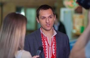 В Киеве неизвестные обокрали авто главы САП Грищука