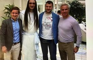 Блогер: Криклия за участие в кокаиновых вечеринках олигарха Косюка нужно уволить из Кабмина – ФОТО