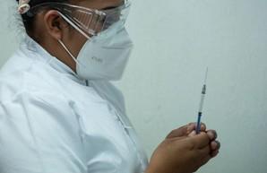 Врачи Черновицкой больницы в полном составе отказались вакцинироваться