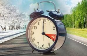 В воскресенье украинцы проснутся на час позже