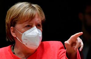 Меркель заявила о необходимости ужесточить карантин