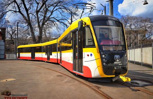 """Одесские транспортники построили трехсекционный трамвай, который длиннее киевских """"Электронов"""" (ВИДЕО)"""