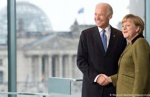 Меркель и Байден призвали РФ отвести войска от украинской границы