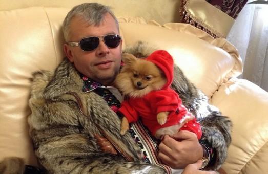 Депутат львовского облсовета записал на годовалого сына частный медцентр