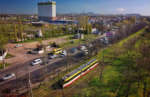 Третий гигантский трамвай запустили на маршруте в Одессе (ВИДЕО)
