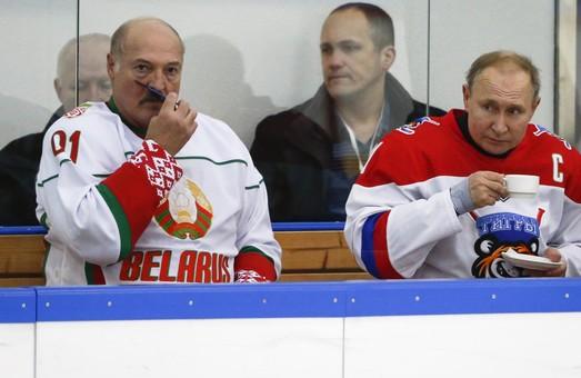Полный игнор. На матч чемпионата мира по хоккею между Россией и Беларусью пришел один зритель