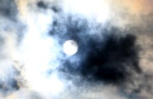 Над Одессой наблюдали солнечное затмение (ВИДЕО)