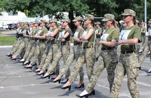 Военный парад на каблуках: в парламенте требуют объяснений