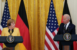 Меркель пригрозила Путину, если Украина останется без транзита газа