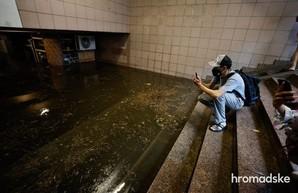 Мощный ливень накрыл Киев: затоплены улицы и станции метро