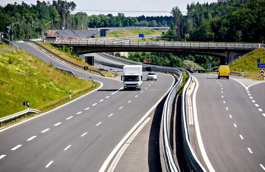В Украине появятся платные дороги: где и когда?