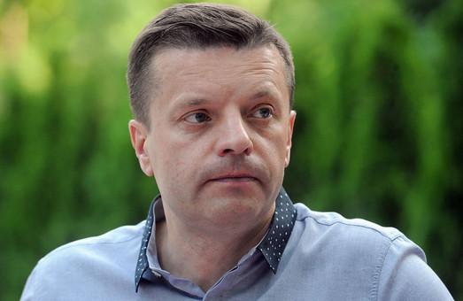 Известного российского телеведущего внесли в базу «Миротворца»
