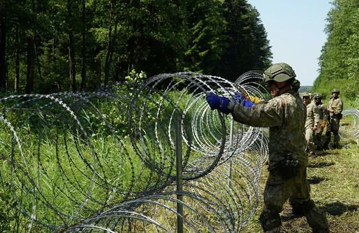 Украина передаст Литве колючую проволоку для защиты от белорусских мигрантов
