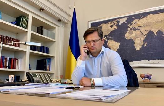 Кулеба переговорил по телефону с украинскими военными в Кабуле
