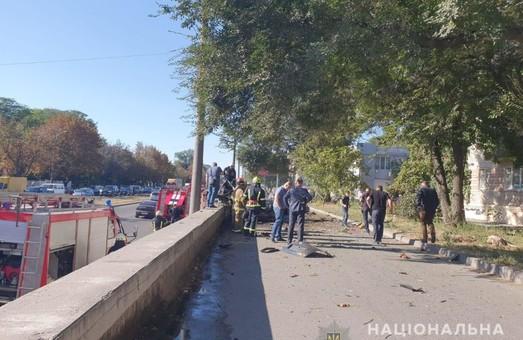 В Днепре взорвался автомобиль: внутри были мужчина и женщина