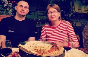 «Обострение депрессии»: Сенцов извинился за высказывания сестры