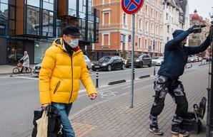 Латвия вводит строгий локдаун – закрытые магазины и комендантский час